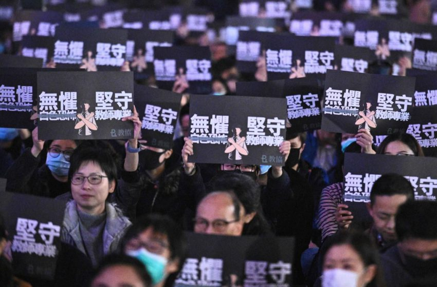 Hong Kong students, educators in a bind over 'liberal censorships'